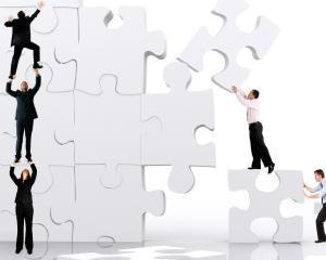 Conceperea si implementarea structurii afacerii